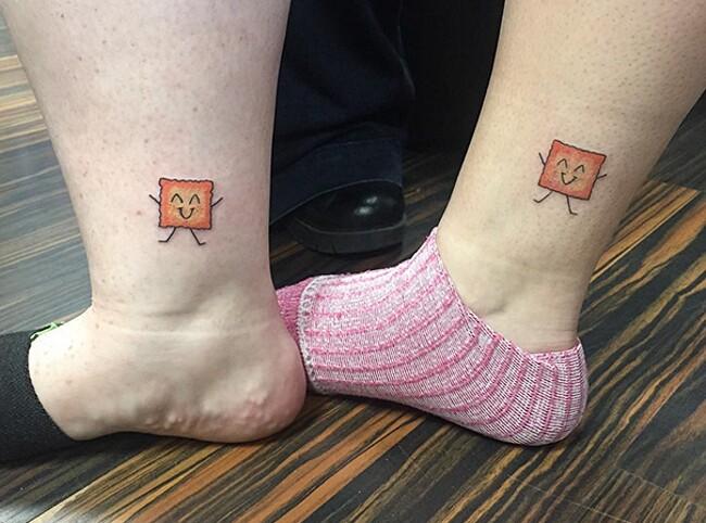 esempi-tatuaggi-coppia-amici-31
