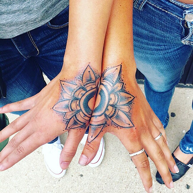 esempi-tatuaggi-coppia-amici-33