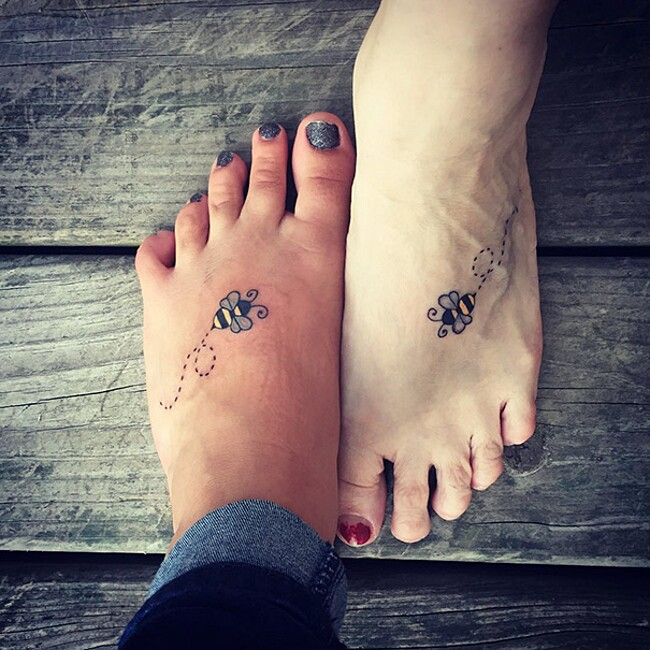 esempi-tatuaggi-coppia-amici-44
