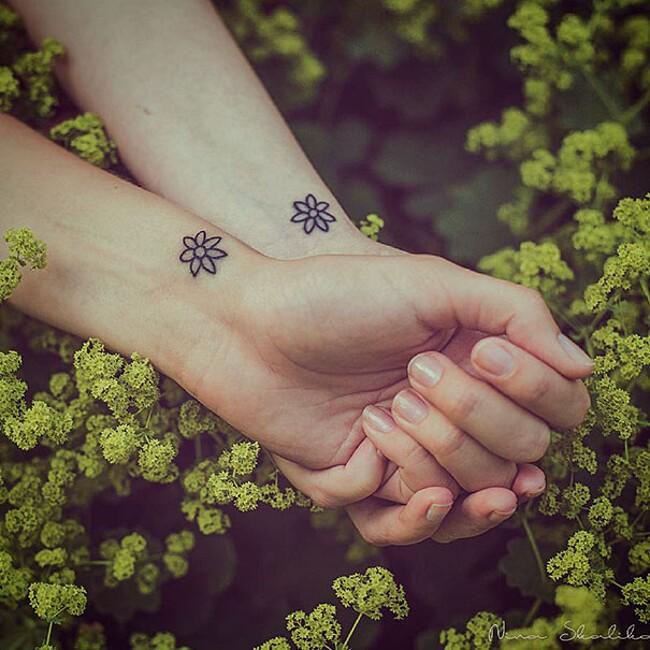 esempi-tatuaggi-coppia-amici-50