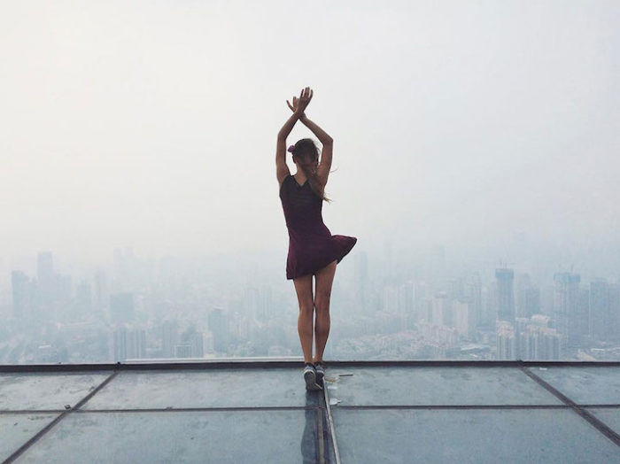 foto-cima-edifici-alti-selfie-angela-nikolau-01