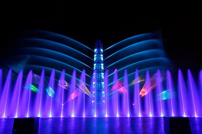 lake-of-illusion-scultura-architettonica-spettacolo-luci-eca2-shangai-cina-13