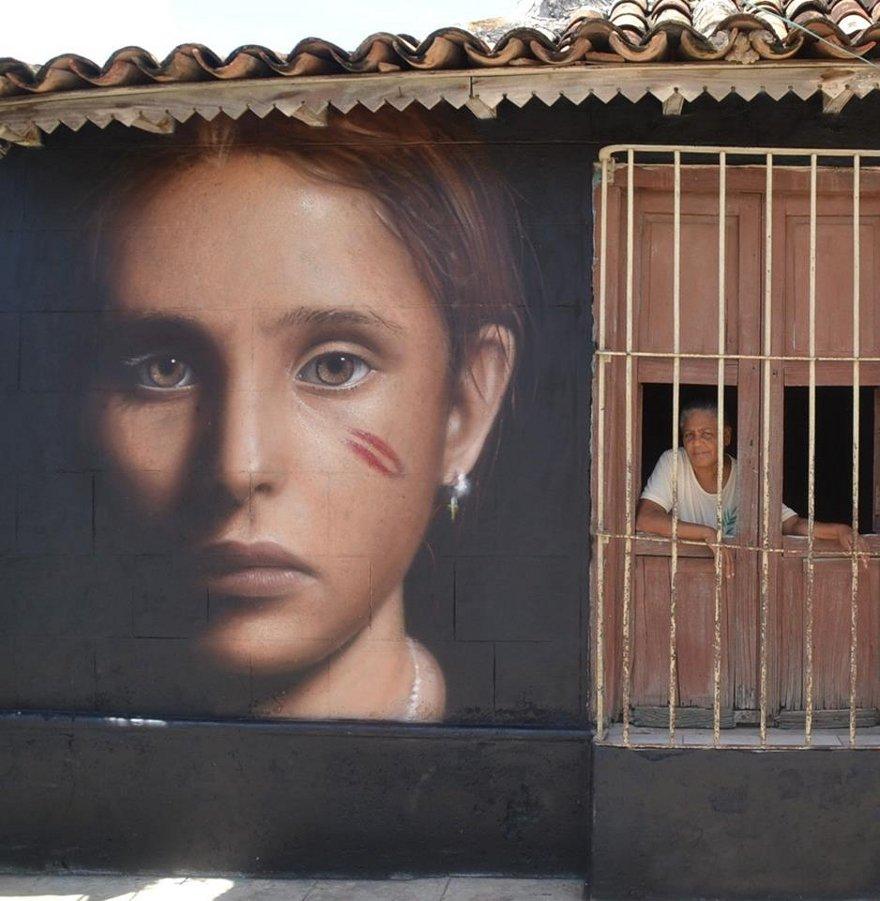 murales-graffiti-street-art-iperrealista-jorit-agoch-14