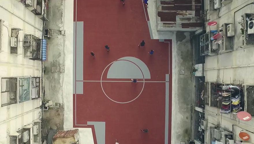 primo-campo-calcio-forma-non-rettangolare-thailandia-1