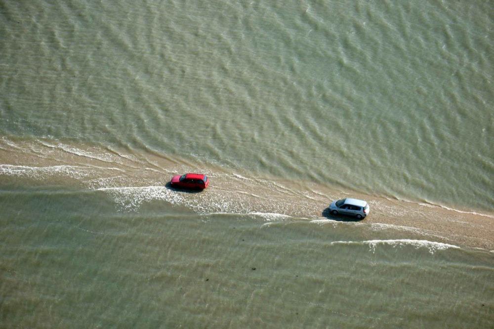 strada-scompare-sotto-acqua-marea-passage-du-gois-francia-6