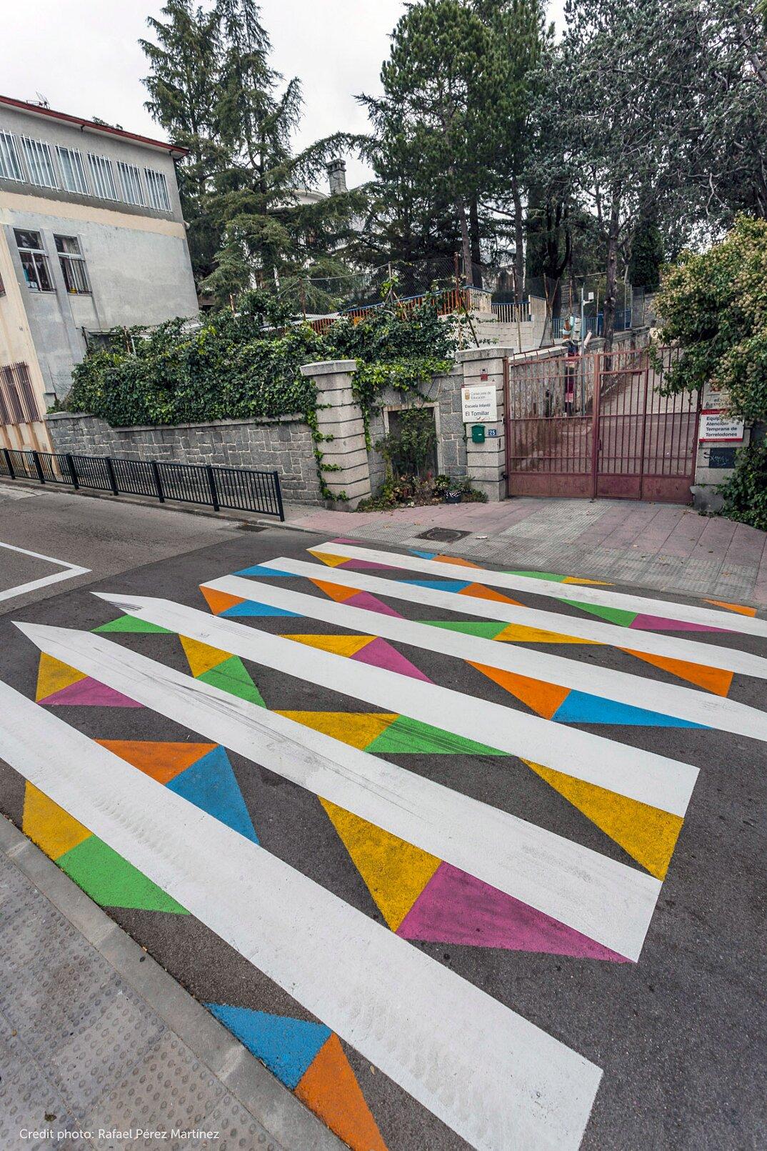 strisce-pedonali-decorate-arte-christo-guelov-funnycross-madrid-22