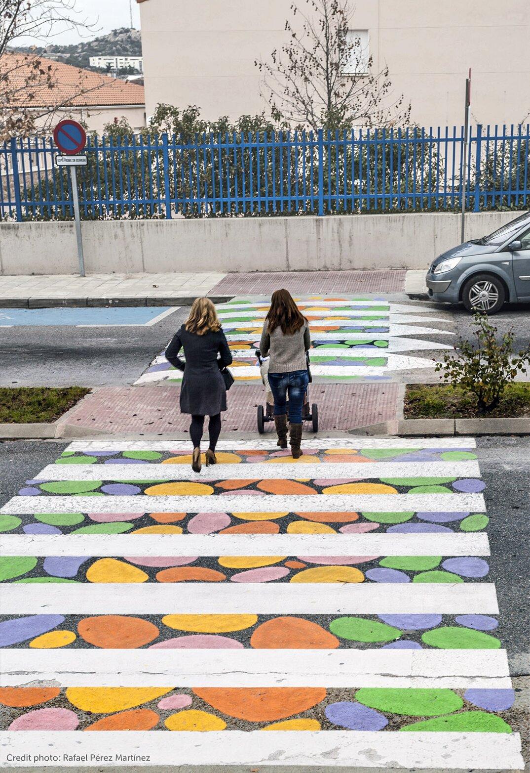 strisce-pedonali-decorate-arte-christo-guelov-funnycross-madrid-25