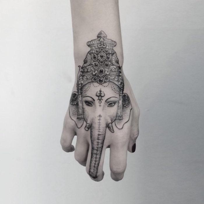 tatuaggi-artistici-dark-surreali-julia-shpadyreva-05