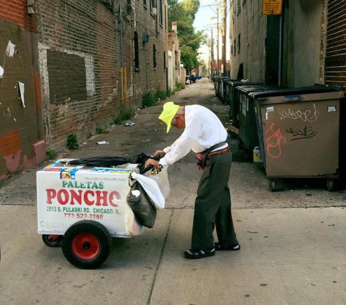 uomo-89-anni-spinge-carretto-ghiaccioli-riceve-donazione-estranei-fidenciosanchez