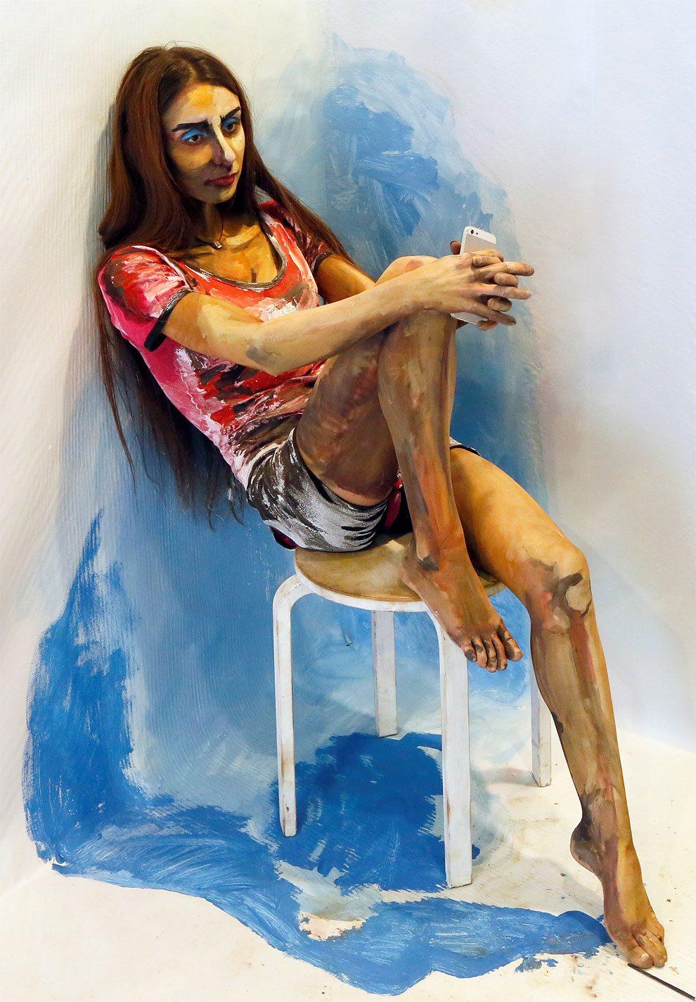 Modelle trasformate in quadri viventi dall 39 artista maria for Quadri illusioni ottiche