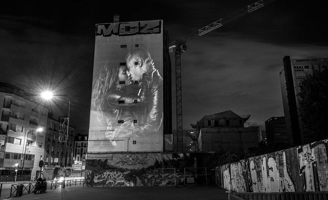 digital-street-art-parigi-coppie-baci-nuit-blanche-2016-julienne-nonnon-18
