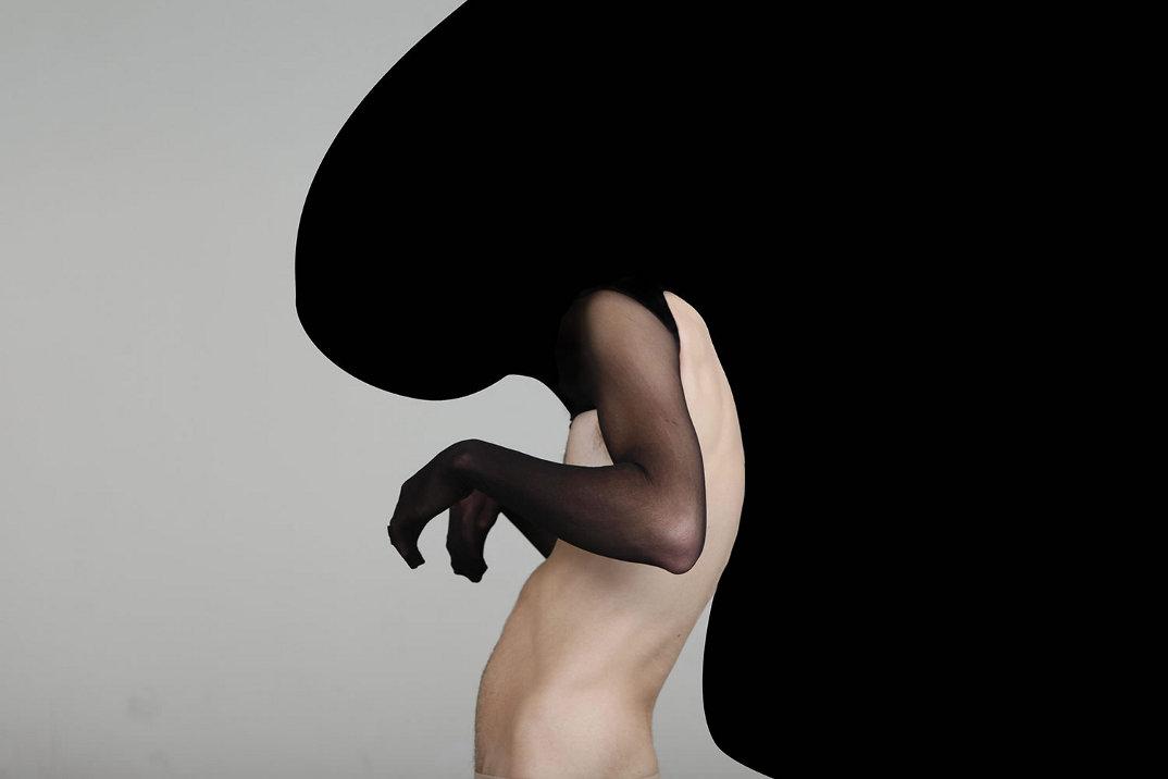 materiali-ridefiniscono-corpo-umano-fotografia-video-shai-lagen-03