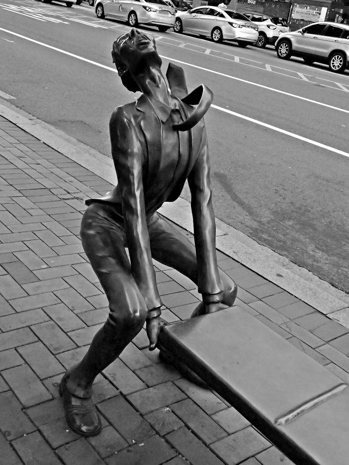 panchine-creative-bizzarre-arte-urbana-mondo-03