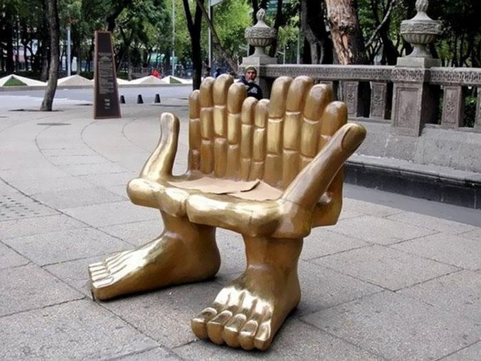 panchine-creative-bizzarre-arte-urbana-mondo-31