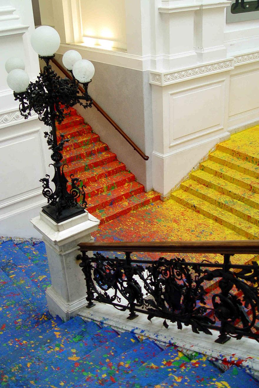 scalinata-dipinta-zacheta-gallery-arte-polonia-leon-tarasewicz-3