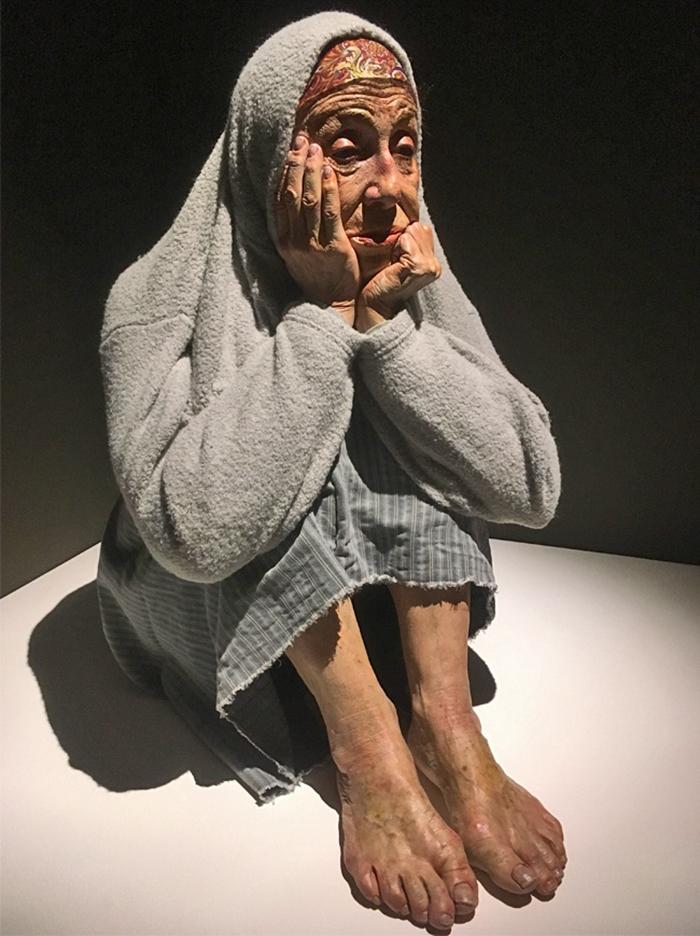 sculture-iperrealiste-mostra-museo-bilbao-03