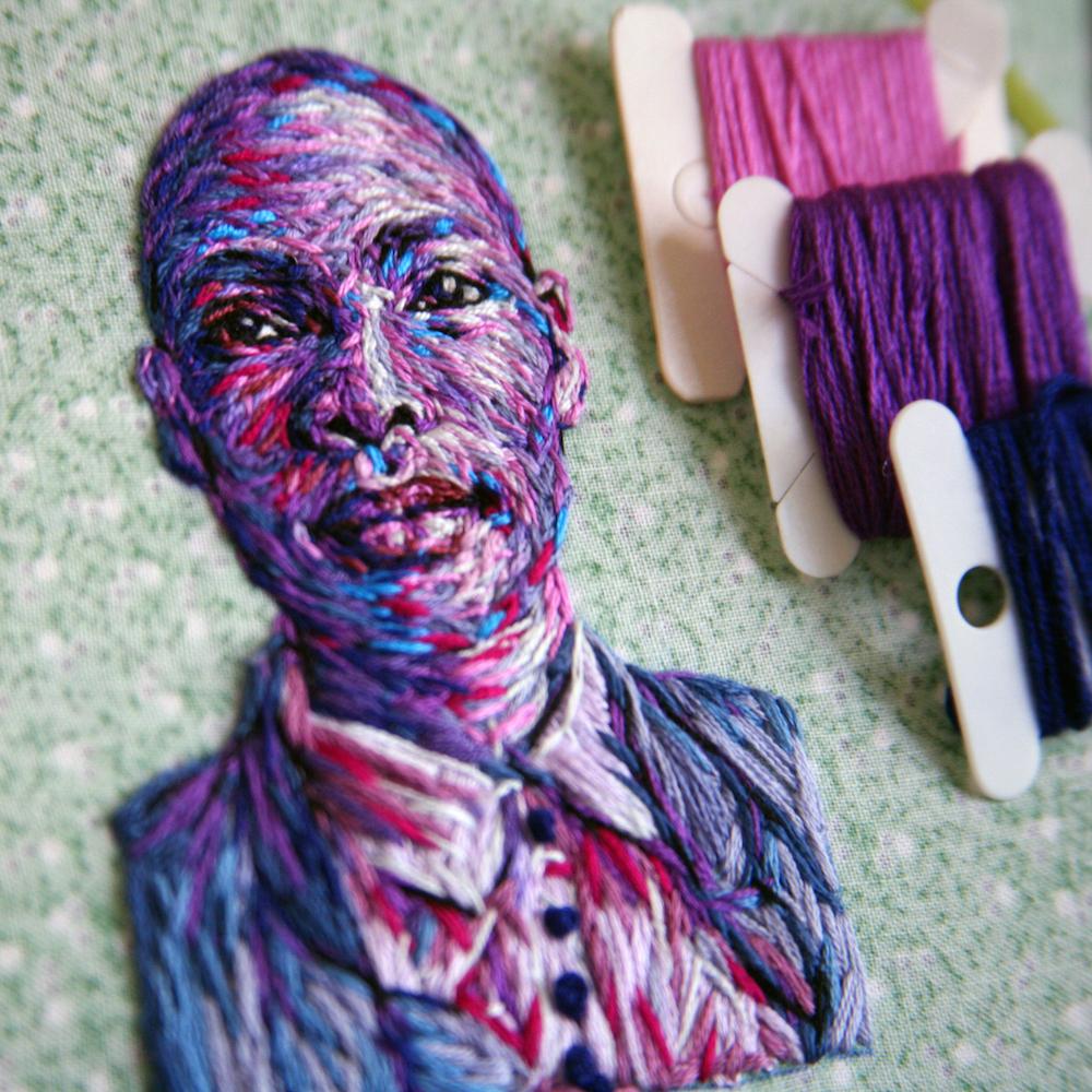 arte-ricamo-ritratti-colorati-danielle-clough-6