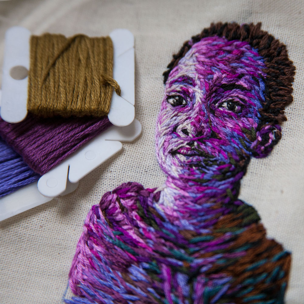 arte-ricamo-ritratti-colorati-danielle-clough-8