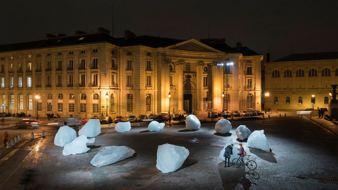 installazione-12-blocchi-ghiaccio-place-du-pantheon-olafur-eliasson-ice-watch-paris-6
