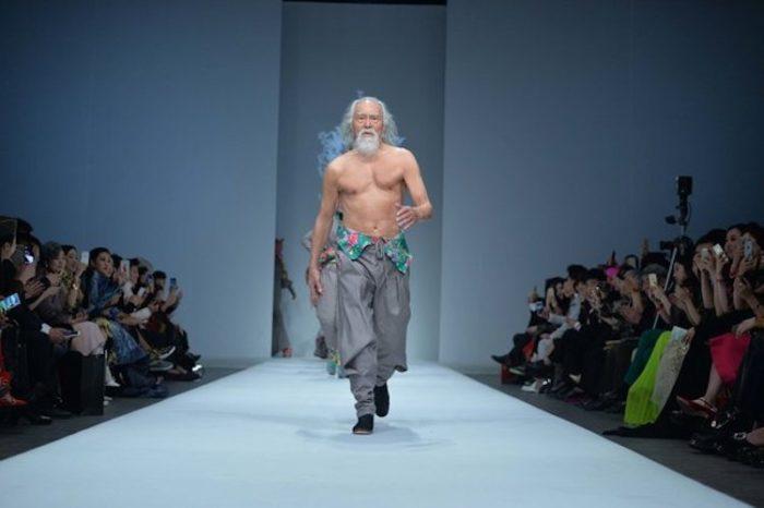 modello-80-anni-nonno-sexy-cina-wang-deshun-5