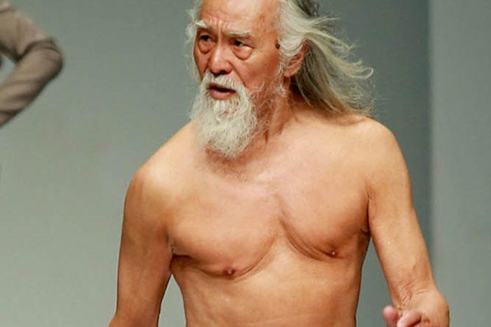 modello-80-anni-nonno-sexy-cina-wang-deshun-7