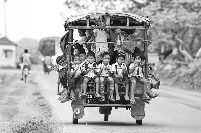 percorsi-pericolosi-mondo-per-andare-scuola-02