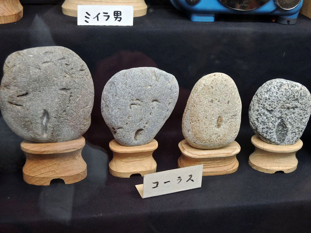 rocce-sembrano-volti-museo-chinsekikan-chichibu-giappone-03
