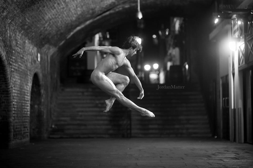 ballerini-nudi-danzano-strade-notte-dancers-after-dark-jordan-matter-04
