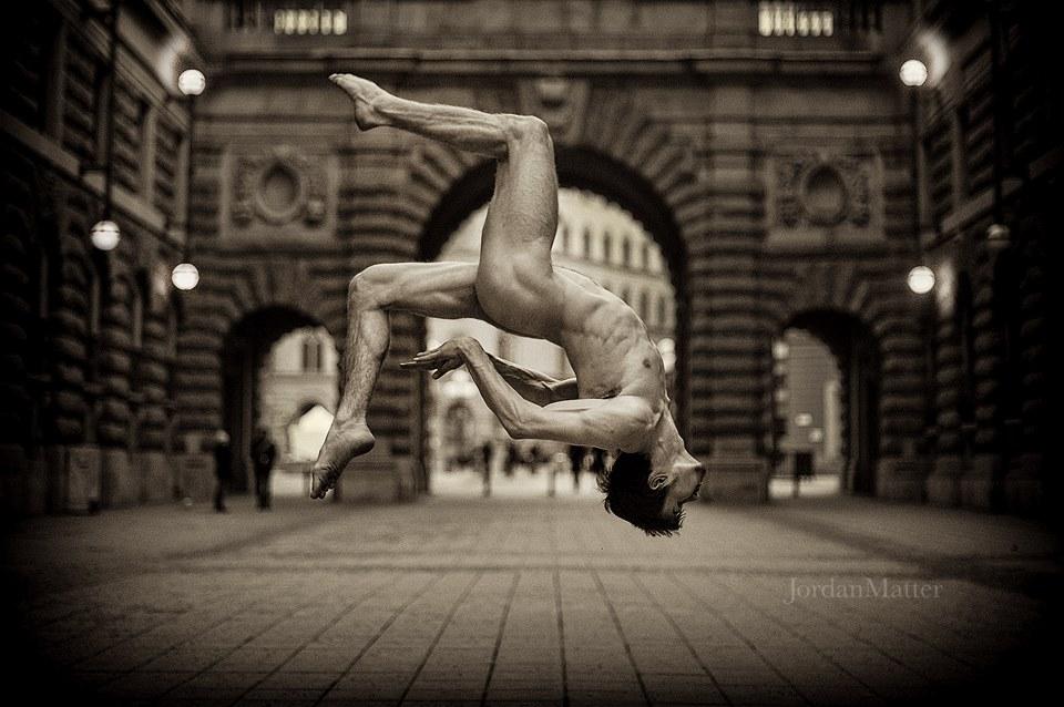 ballerini-nudi-danzano-strade-notte-dancers-after-dark-jordan-matter-06