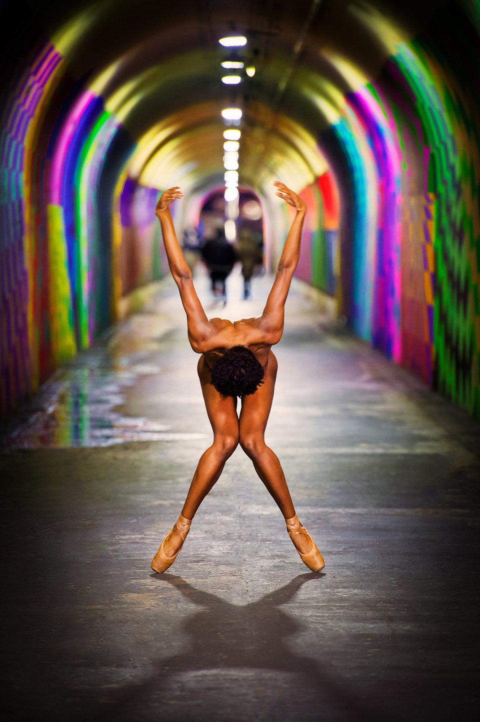 ballerini-nudi-danzano-strade-notte-dancers-after-dark-jordan-matter-08