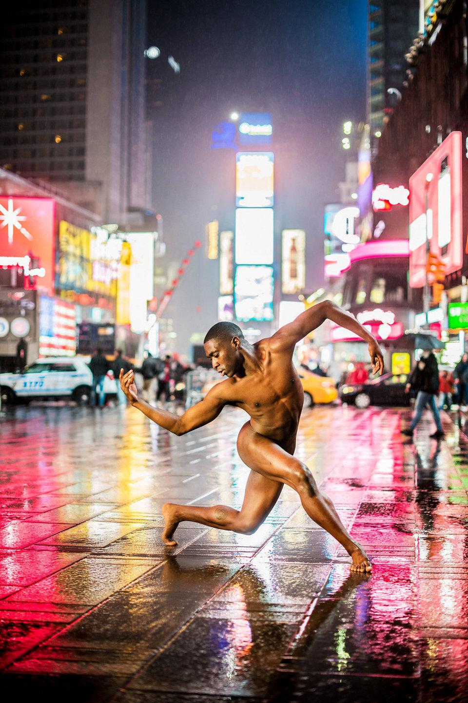 ballerini-nudi-danzano-strade-notte-dancers-after-dark-jordan-matter-09