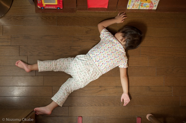 foto-divertenti-bambini-dormono-ovunque-03