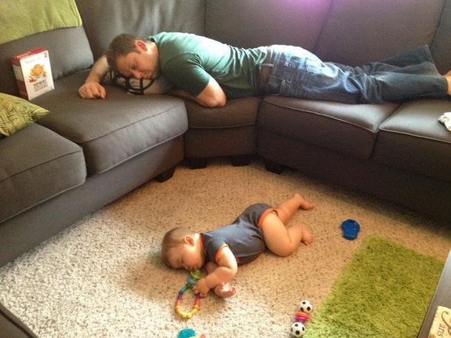 foto-divertenti-bambini-dormono-ovunque-07