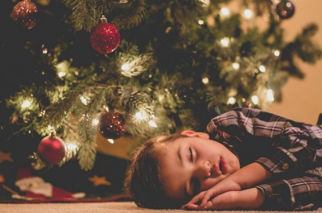 foto-divertenti-bambini-dormono-ovunque-12