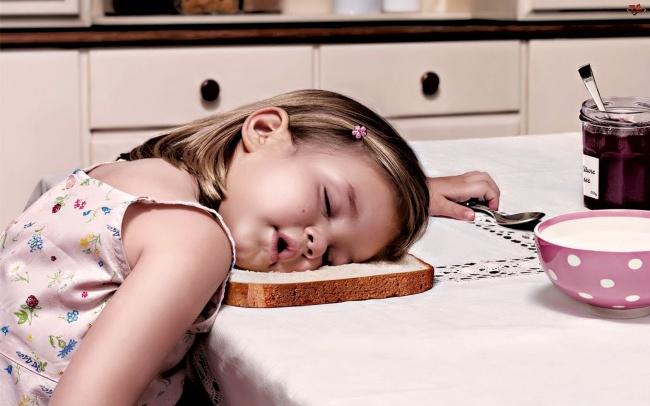 foto-divertenti-bambini-dormono-ovunque-14