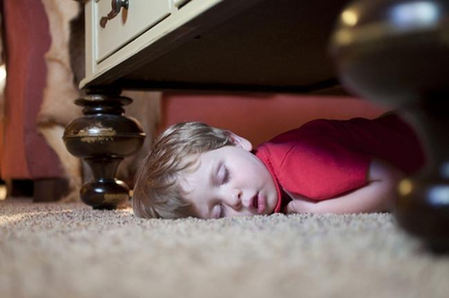 foto-divertenti-bambini-dormono-ovunque-15