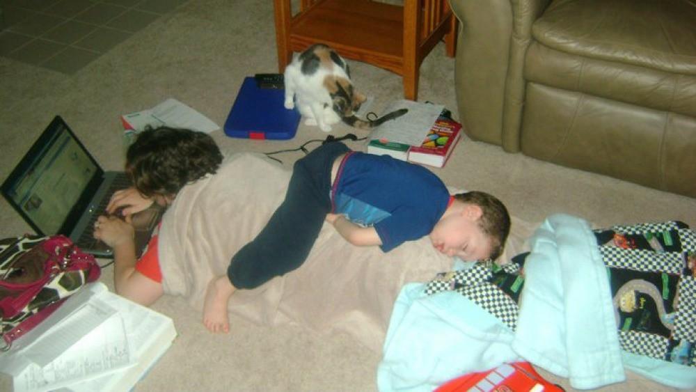 foto-divertenti-bambini-dormono-ovunque-24