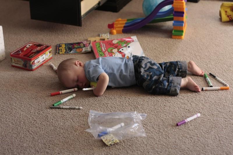 foto-divertenti-bambini-dormono-ovunque-26