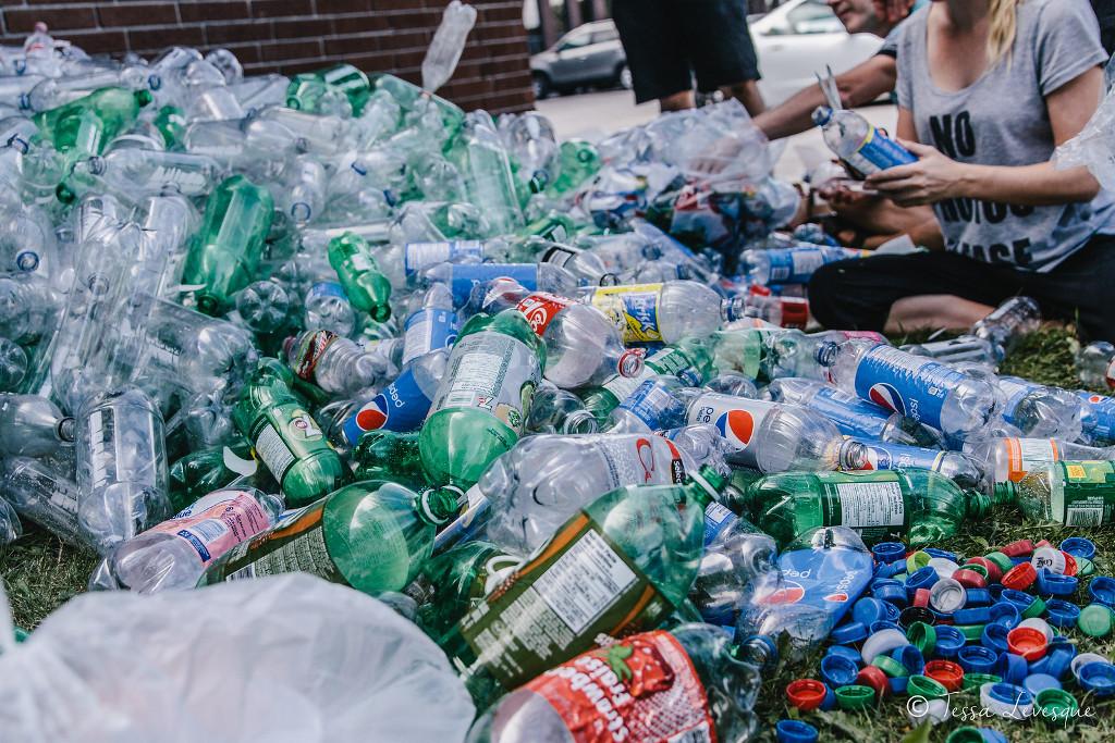 foto-sirena-mare-10000-bottiglie-plastica-inquinamento-von-wong-12