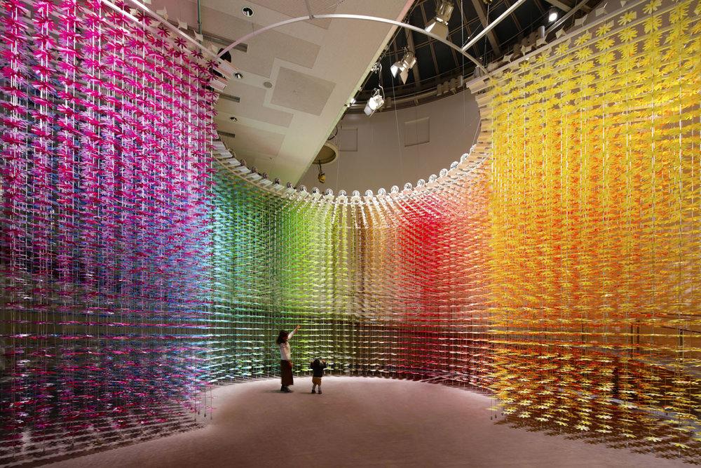 installazione-25000-fiori-carta-colorata-color-mixing-emmanuelle-moureaux-08