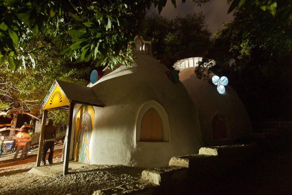 case-cupola-konbit-shelter-haiti-swoon-01