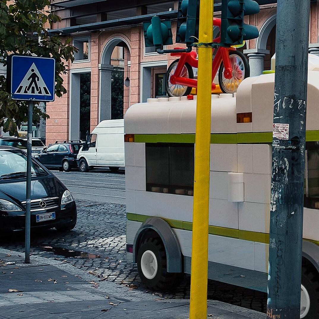 lego-outside-legoland-strade-roma-domenico-franco-07
