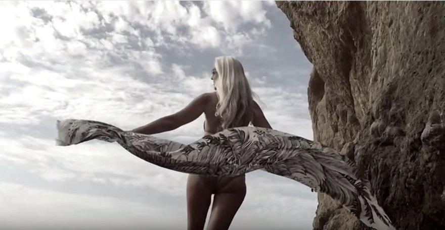 modella-61-anni-pubblicita-costumi-yazemeenah-rossi-12