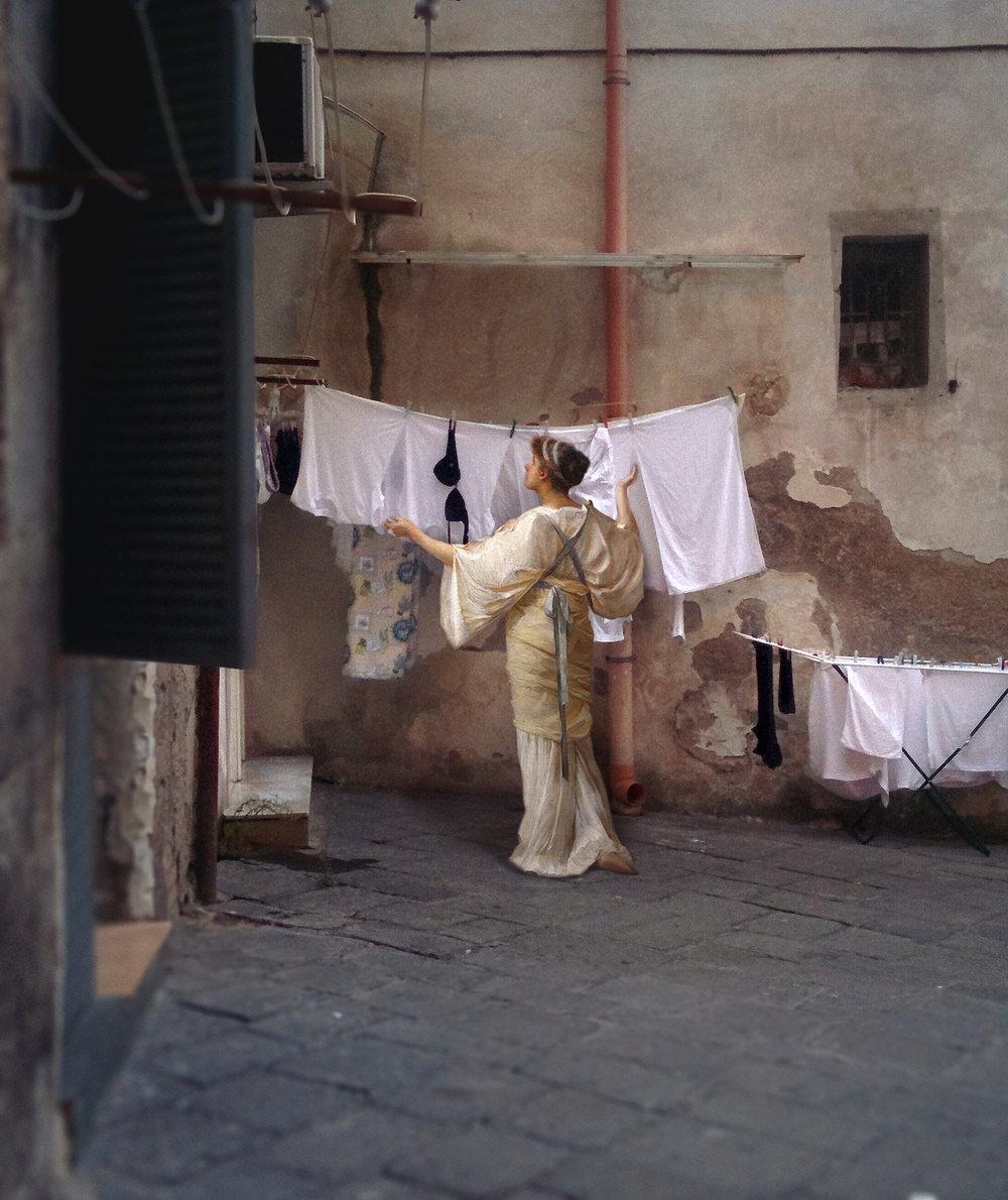 personaggi-dipinti-rinascimento-invadono-strade-napoli-fotomontaggi-alexey-kondakov-04