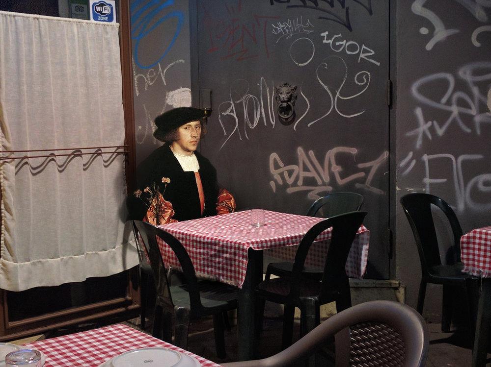 personaggi-dipinti-rinascimento-invadono-strade-napoli-fotomontaggi-alexey-kondakov-12