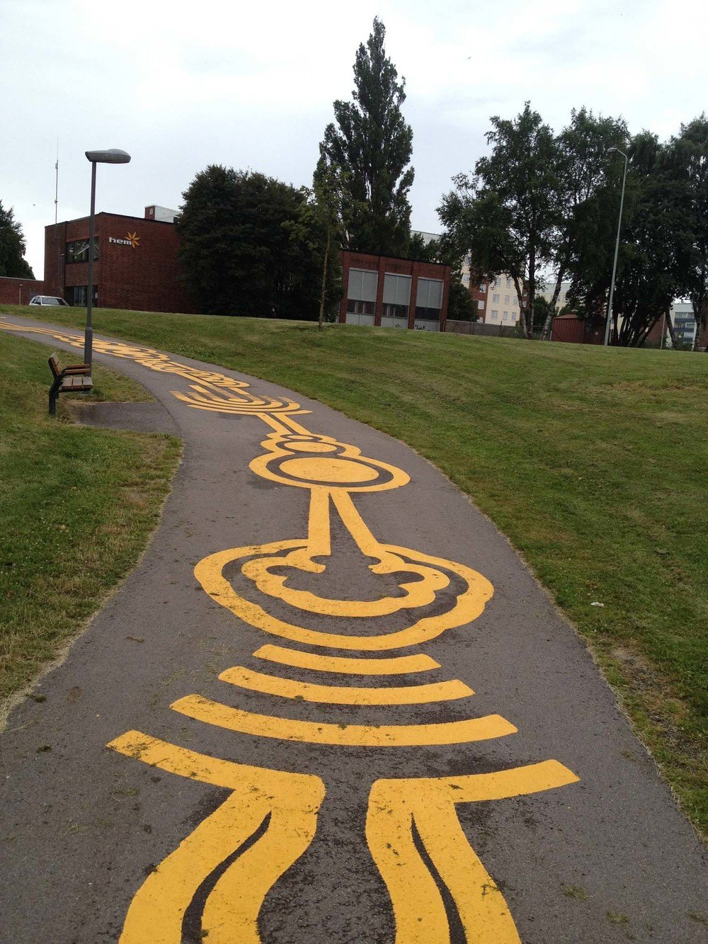 street-art-piste-ciclabili-montreal-roadsworth-13
