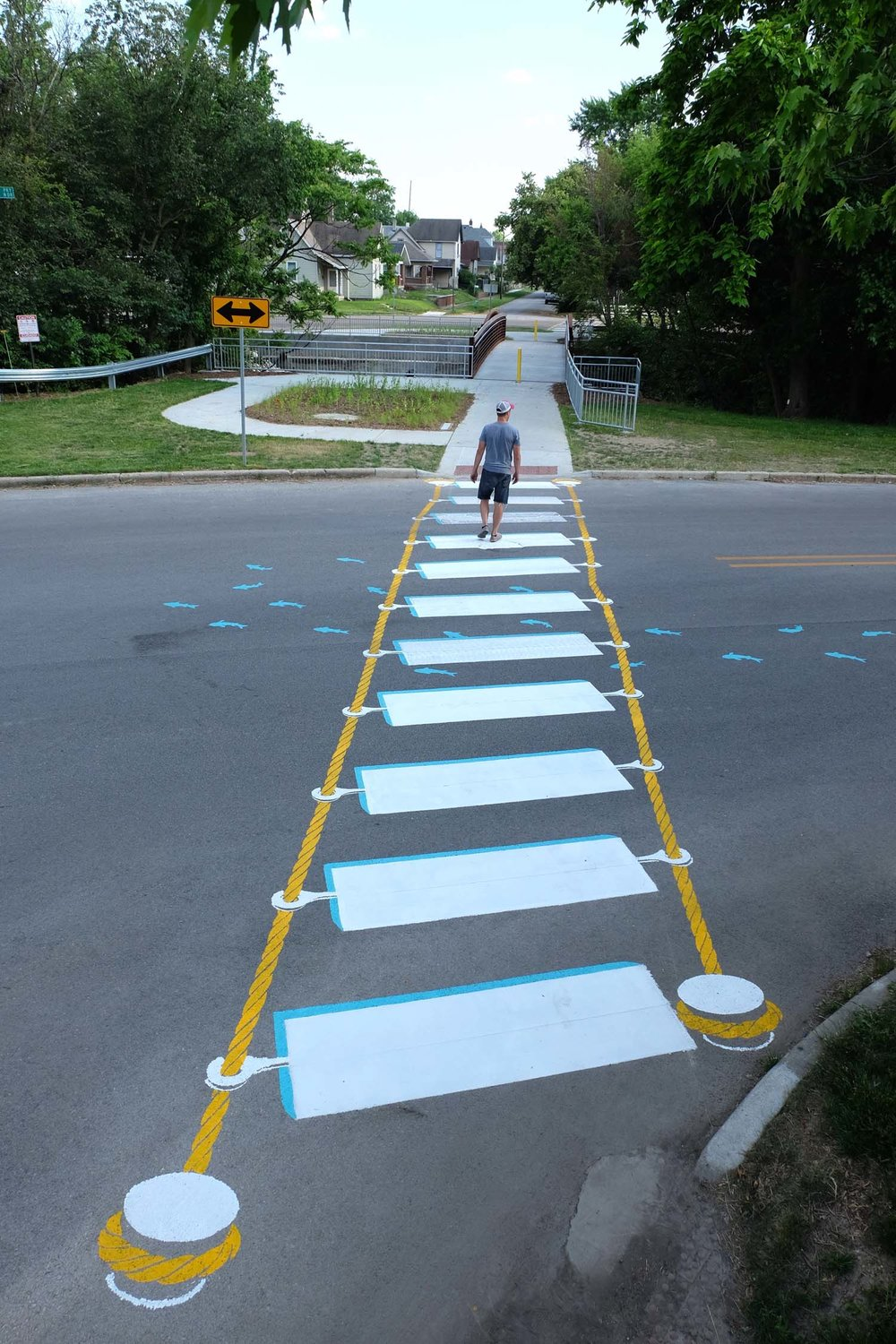 street-art-piste-ciclabili-montreal-roadsworth-25