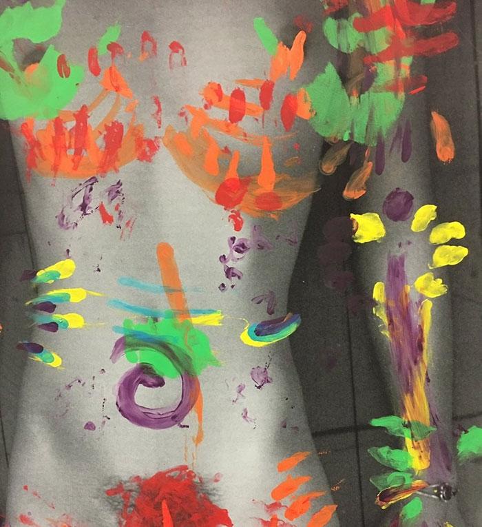 studentessa-crea-opera-arte-contro-violenza-donne-emma-krenzer-6