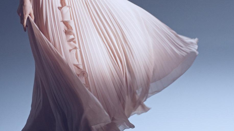 abito-plastica-rifiuti-oceano-natalia-vodianova-h&m-7