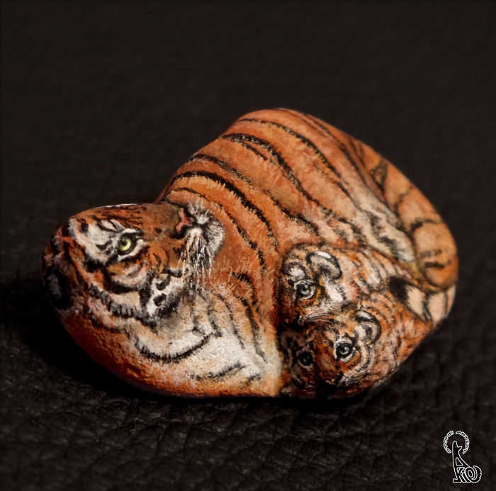 dipinge-animali-su-pietre-akie-nakata-27